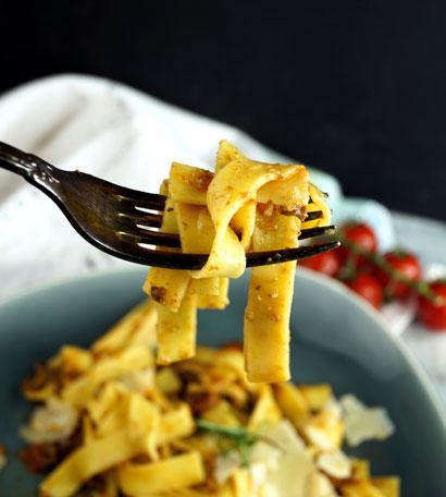 Bolognese mit Gemüse, Bier und Pilzen nach einem Rezept von Jamie Oliver
