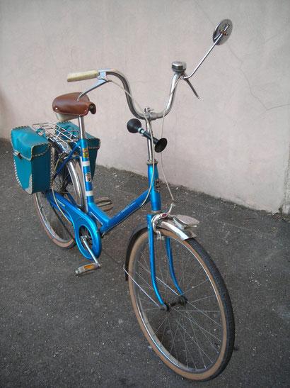 Vélo Motoconfort bleu avec accessoires - acheté 80€