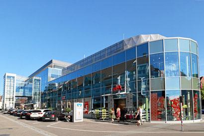 Hochrhein-Center mit H&M, 300 m vom Hotel Danner
