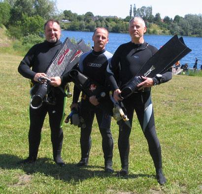 Ralf-Achim Koch, Dieter Kopsicker und Michael Voß vor dem Hemmoorer See