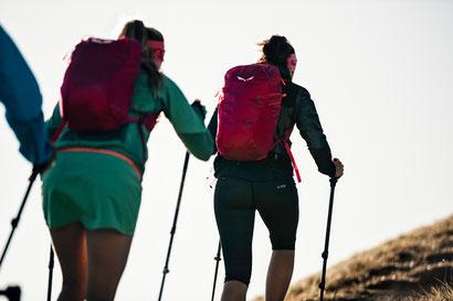 Für alle, die athletische Bewegung in der Natur lieben: Im 1. Speed Hiking Park Österreichs - in der Ferienregion Imst. Bildnachweis: © STORYTELLER LABS / SECEDA, SALEWA FACES