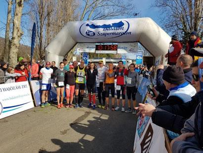 Vorstellung der Führenden vor dem Start - Balaton Supermarathon
