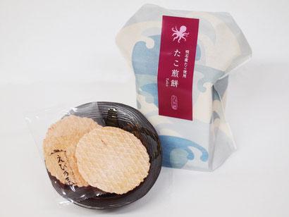 明石産のたこを使用したえび煎餅です。極薄焼きで硬くないお煎餅は、おじいちゃんおばあちゃんへのプレゼントに最適。日本人好みの甘辛い味付けがお茶にもお酒にも合う一品へと仕上げています。
