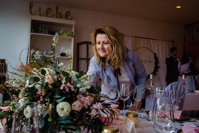 Janine Tameling Hochzeitsplanerin in Hannover bei der Arbeit im Wedding Showroom