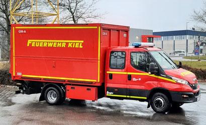 Gerätewagen mit spezieller Beladung zur durchführung der Atemschutzlogistik
