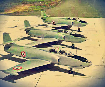 In primo piano il G-82 con accanto il secondo prototipo , ed in fondo il G.80