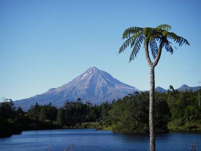 Blick auf dem Mount Taranaki (Mt Egmont) aus Richtung New Plymouth
