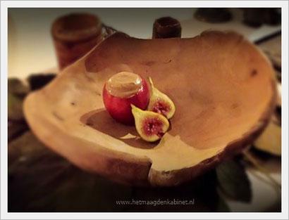 Vijgen en appeltje voor Eva uit Vrouwen Bestempeld  www.herlegends.com