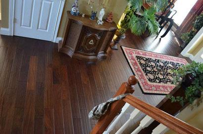 Das Foto zeigt den Boden nach dem schleifen und einölen !