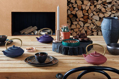 Asia Teekanne rot, Teekanne aus Gusseisen lila, violette Gussteekanne, Gusskanne blau
