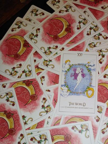 Kartenabbildung aus dem Symplicity Tarot von Emelie Muniz
