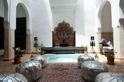 Riad Star's pretty central area