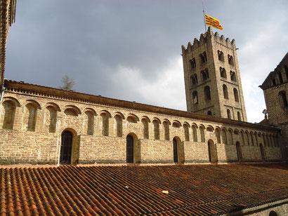 Монастырь Санта Мария де Риполь