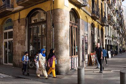 """Почему барселонский Раваль называют """"Barrio Chino""""?"""