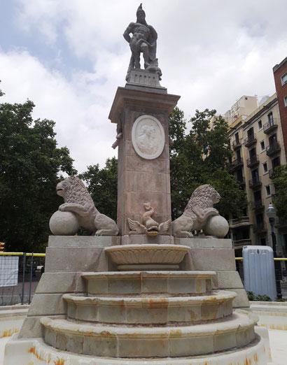Фонтан Геркулеса в Барселоне
