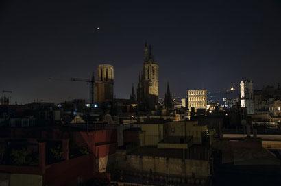Барселона - необычные мероприятия в Готическом квартале
