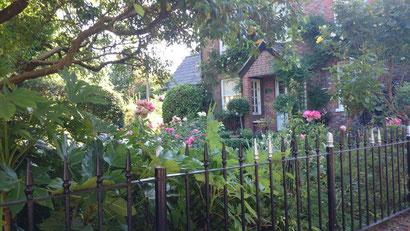 バッチセンターのあるソットウェルはとても上品で閑静な村です。