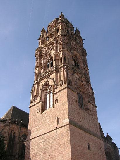 Cathédrale  le clocher Rodez en Aveyron