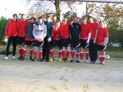 Mannschaftsbild vor dem 1. Spiel in der Kirchenliga / Sommer 2011