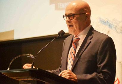 Dr. José Quiles, presidente de la Federación de Béisbol  / foto por FBAPR