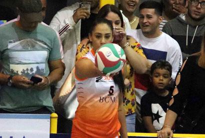 La mexicana Rangel sumó 12 puntos en la victoria de su equipo ante Juncos anoche en la Gelito Ortega