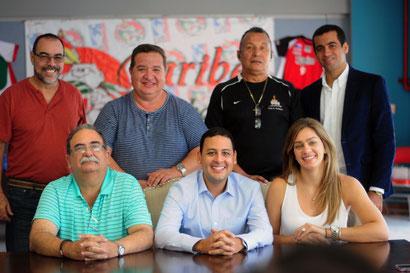 Dr. Trabanco a la sentado a la izquierda anunciö los pormenores de la próxima temporada de la LVSM / Foto por Luis D, Sanchez