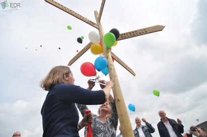 Der symbolische Wegweiser für den grenzenlosen Arbeitsmarkt wurde im Rahmen der GIP-Eröffnung enthüllt.