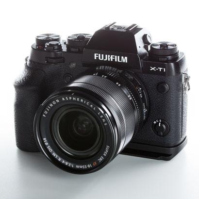 Fuji XT-1 mit Fujifilm MHG-XT Large Handgriff