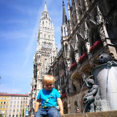 Der Marienplatz ist zwar das Wahrzeichen von München. Den Kindern wars trotzdem langweilig