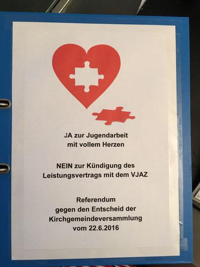 Symbolbild: Herz, bei dem ein Puzzlestück herausgebrochen ist. (C) Bigstockphoto