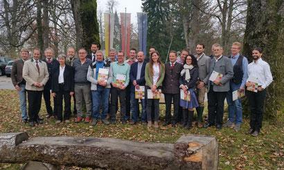 18 Facharbeiterbriefe wurden bei der Imkerfachtagung in Krastowitz verliehen, davon kommen 6 Imker aus dem Bezirk Spittal/Drau