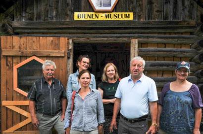 Besuch der Stadtbienen Klagenfurt am Dellacher Bienenlehrpfad