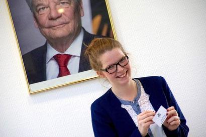 Politik zum Anfassen Julia Franz Projektleiterin Bundesfreiwilligendienst / BFD / FÖJ / FSJ