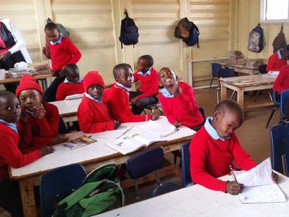 3. Klasse einer Privatschule in der Nähe von Nairobi/Kenia.