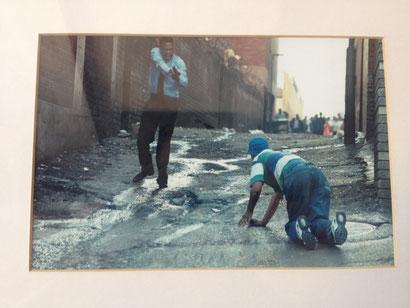 Foto-Ausstellung zu Soweto Uprising in der Kirche Regina Mundi