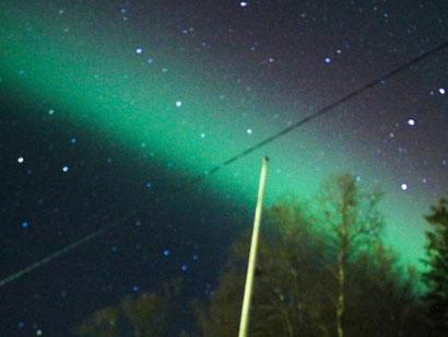 Nordlichter auf der Terrasse in Skrolsvik