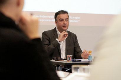 Thomas Dingler, in einem seiner Seminare