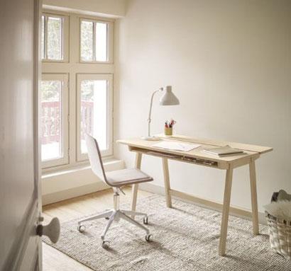 bureau en bois naturel, télétravail, mobilier de bureaux, work at home, harmonie d'intérieur, esthétique, ergonomique, conseils d'aménagement