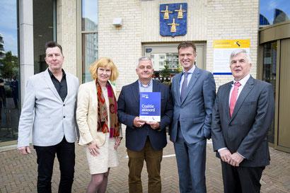 VLNR: Arno Janssen (PAB), Corine Verver (PAB), Rinus de Regt (formateur), Pieter Paans (CDA) en Kees de Ruijter (CU)