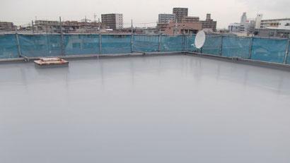 さいたま市の集合住宅、屋上防水工事、トップコート塗布後の写真