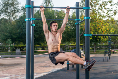 ab workout hanging leg side raises