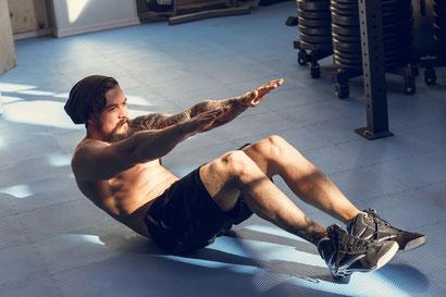 ab workout crunch arm reach