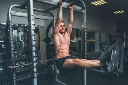 ab workout hanging leg raises