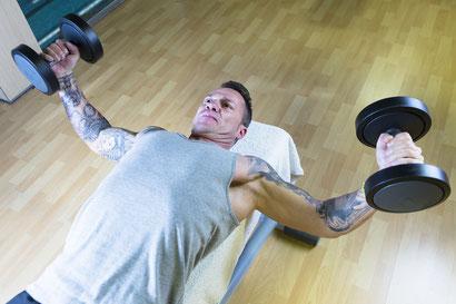 chest exercise decline dumbbell fly