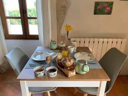 Ontbijt, een gastronomisch moment om de dag goed te beginnen! / Au mas de Janita ©