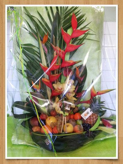 Composition de Fleurs et fruits exotique