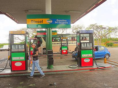 Tankstellen Kuba rechtzeitig den Tank füllen