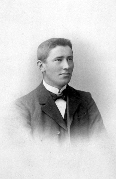 Mein Großvater Wilhelm Feldmann wurde 25jährig im Jahre 1900 Universalerbe der kinderlosen Tante Antonette Wüllner (Foto: 1901)