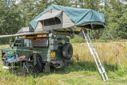 Tembo 4x4 Tourer rooftop tent on a Land Rover Defender 110