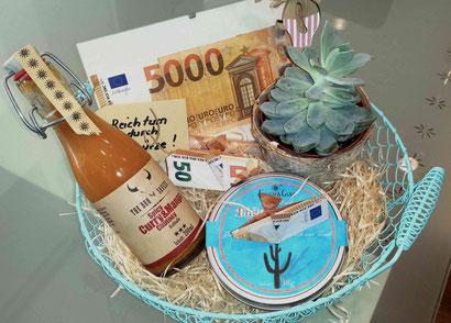 Geldgeschenk individuell verpackt mit Grillsauce von Feuer & Glas